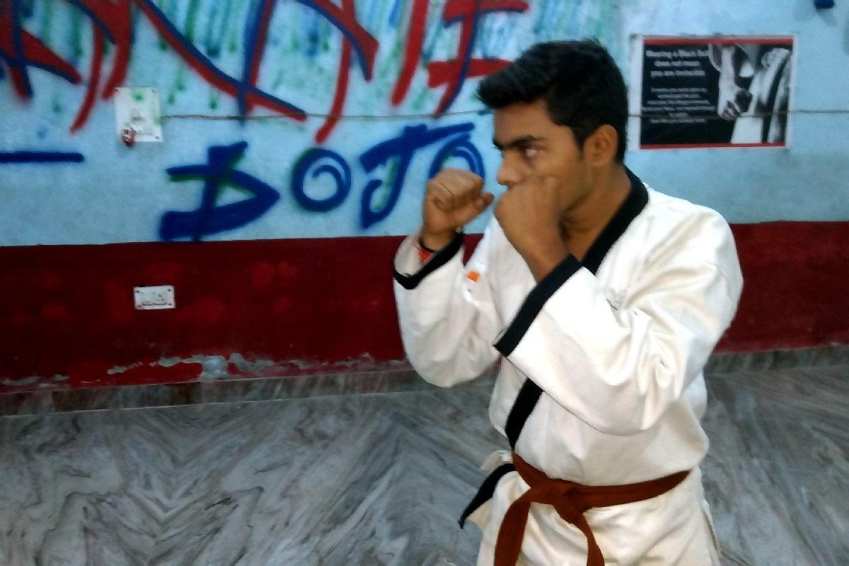 Karate Dark Brown Belt Meaning in Hindi | जानिए कराटे में गहरी भूरी बेल्ट का मतलब।
