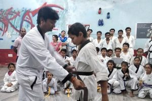 How to learn karate in hindi